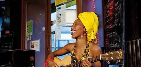Fatoumata Diawara © Youri Lenquette
